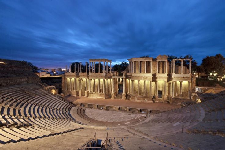 teatro-romano-merida-noche